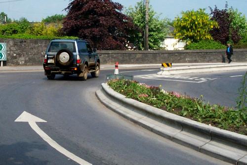 Traffic management kerbs