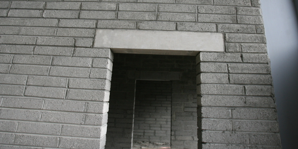 Fair-faced precast concrete lintels