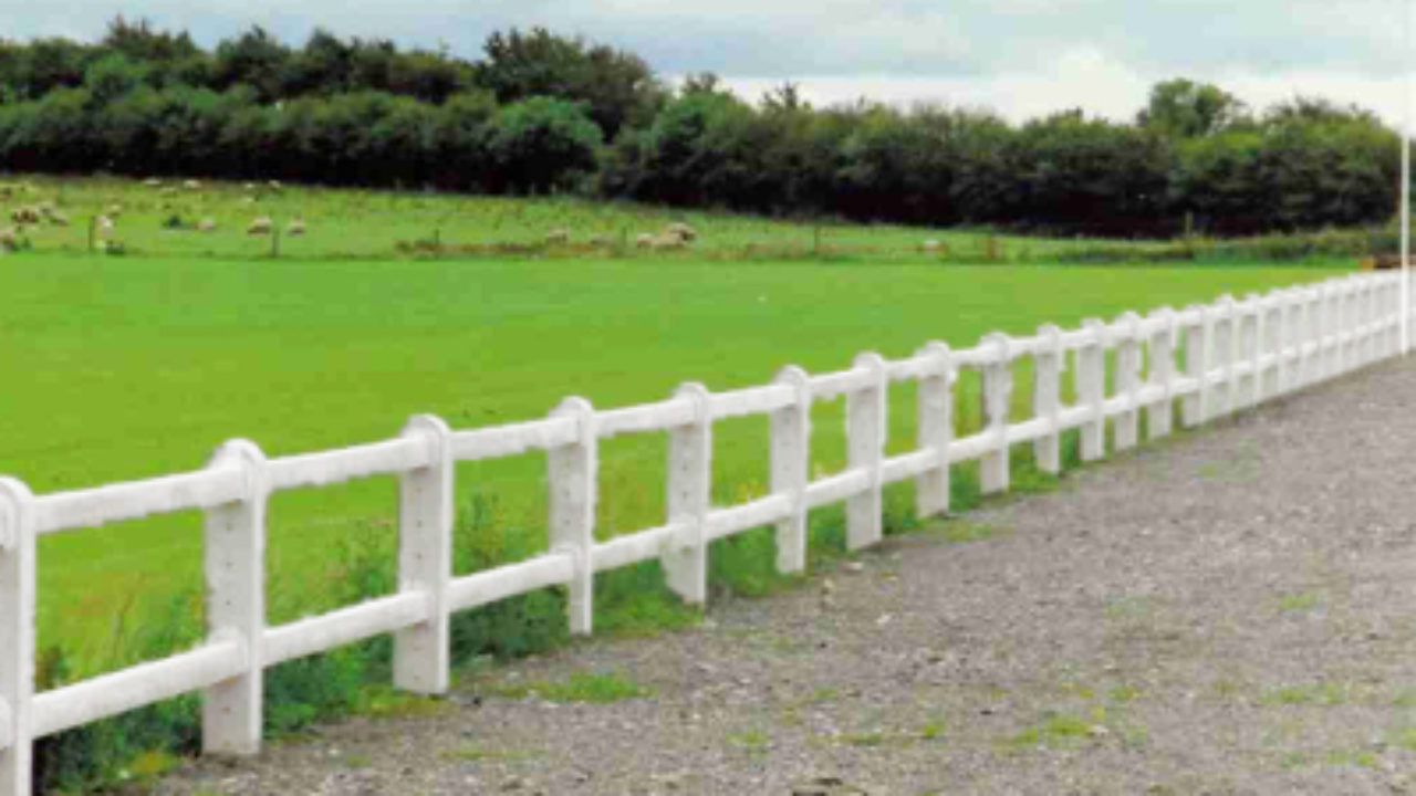 Picture of: Post And Rail Fencing Post And Rail Fencing System Killeshal