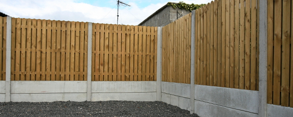 Post and panel fencing - Wood